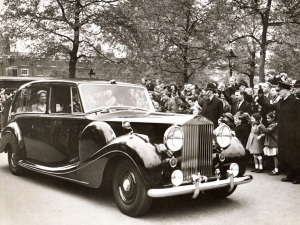 Rolls Royce 1950 - I wonder what the insurance premium was?